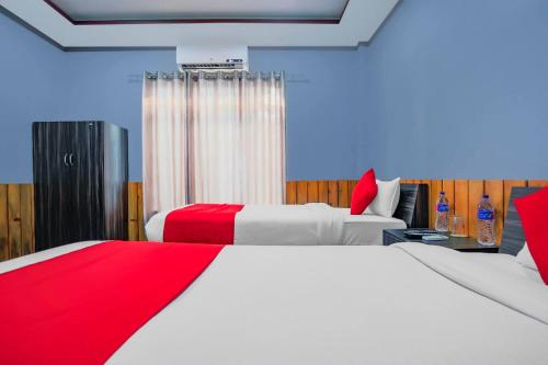 A bed or beds in a room at Hotel Florida