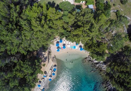 Blick auf Family Resort Hotel Manora 4 Stars aus der Vogelperspektive