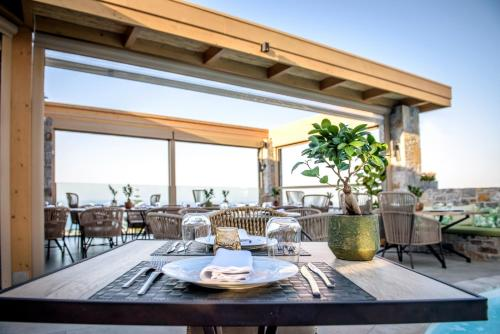A restaurant or other place to eat at Creta Blue Boutique Hotel