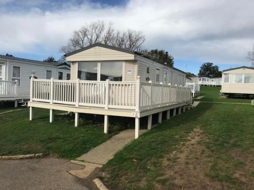 3 Bedroom Caravan BV7, Nodes Point, St Helens, Isle of Wight