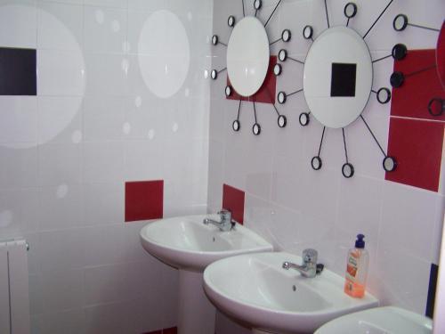Un baño de Bilbao Akelarre Hostel