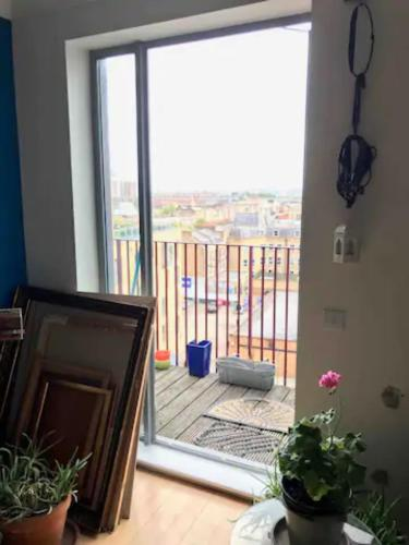 2 Bedrooms Flat with Balcony - Central London