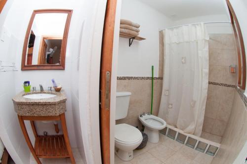 A bathroom at DYD Hotel