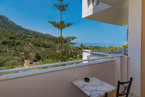 A balcony or terrace at Matilda Hotel