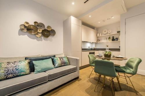 1 Bedroom Palatial Apartment Chancery Lane