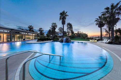 The swimming pool at or near RACV Cobram Resort