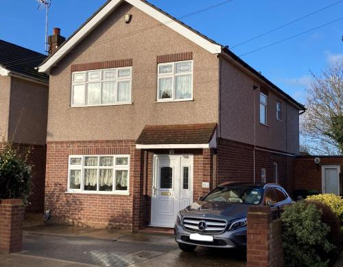 Large detached house with off street parking, key and essential workers only