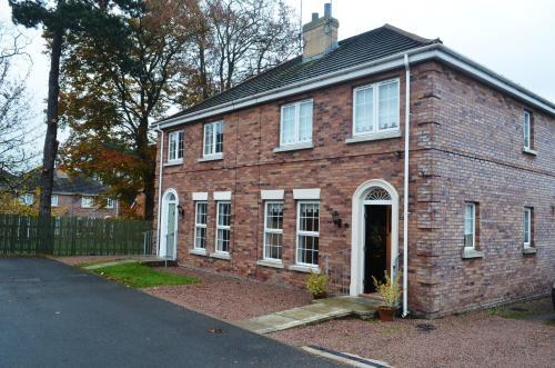 Summerhill Brae House