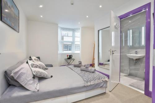 Brighton-up House