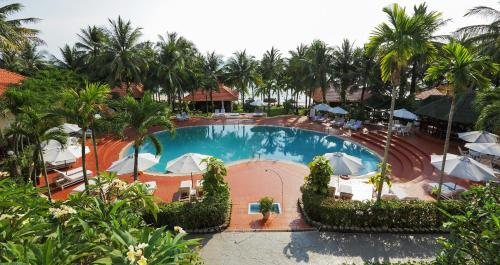 A view of the pool at Saigon Phu Quoc Resort & Spa or nearby