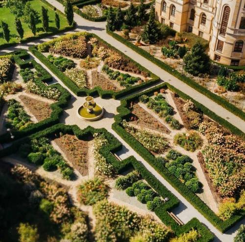 Widok z lotu ptaka na obiekt Pałac Bursztynowy