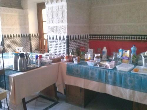 A restaurant or other place to eat at Hotel Balneario De Sierra Alhamilla