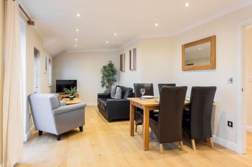 Smart 2 Bedroom Apartment in Newbury