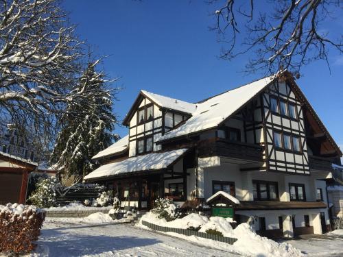 Hotel Pension Berghaus Sieben during the winter