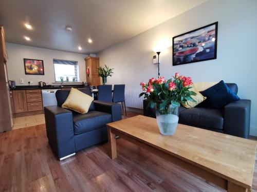 A seating area at Milligan Court Townhouses