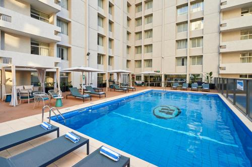 The swimming pool at or close to Parmelia Hilton Perth