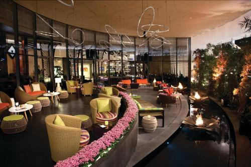The lounge or bar area at Vdara Hotel & Spa at ARIA Las Vegas