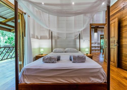 A bed or beds in a room at Casa Viva