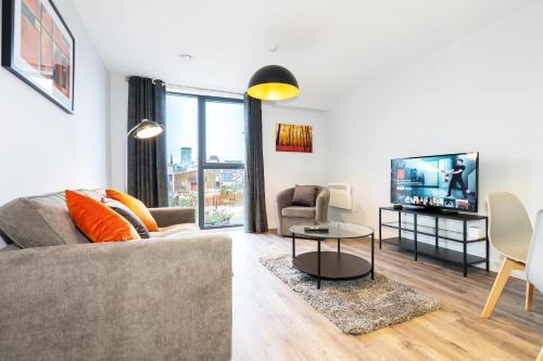 *NEW BUILD* City Centre Apartment - ROOF TOP TERRACE - Digbeth, Birmingham City Centre - FREE NETFLIX, ALEXA, WIFI & SMART TV'S