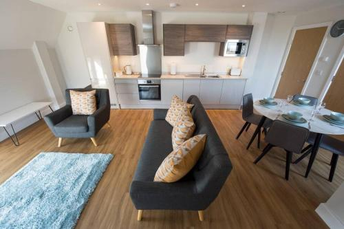2 Bedroom Apartment Brentwood Essex Hosted by Space Apartments