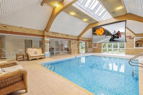 Large luxurious character house with indoor pool