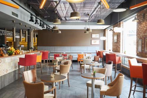 Restauracja lub miejsce do jedzenia w obiekcie Scandic Wroclaw