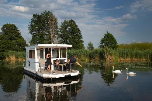 Havel Cruiser - Hausboot-Flöße mit Stil