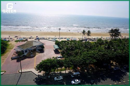 Blick auf Green Hotel aus der Vogelperspektive