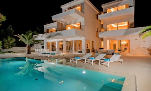 Villa Brac Neptuno - 6 Bedroom Luxury Villa - Sauna - Gym - Sea Views