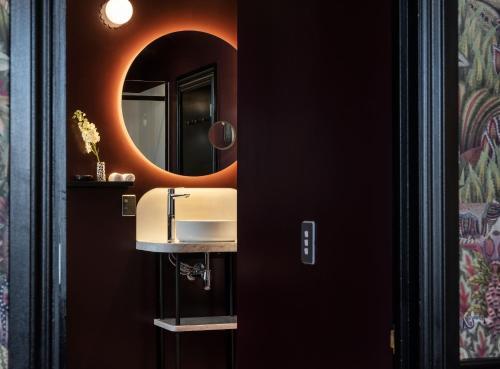 Un baño de Naumi Studio Wellington