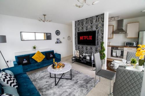 2 Bedroom 2 Bathroom Central MK Hub Apartment (Sleeps 6) with FREE Parking & Netflix by Yoko Property. Perfect for Contractors, Relocation & Business