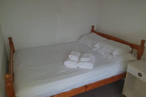 Comfortable Leeds House - Free WIFI - great links!