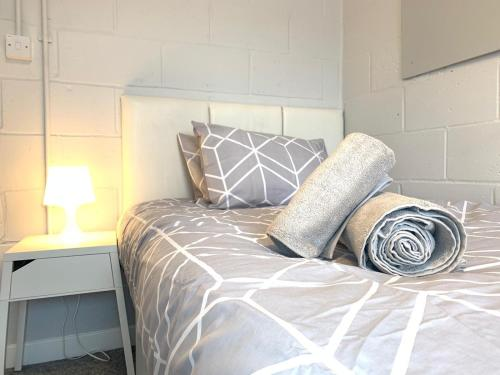 Secure Team Accommodation *Free Wifi * Parking*