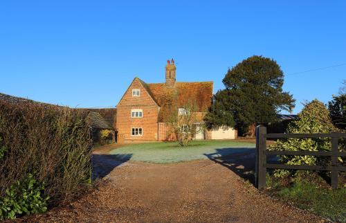 Cowley Farm, Preston Bissett, Buckingham