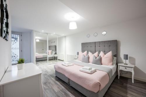 Casa Fresa - King Street Apartments