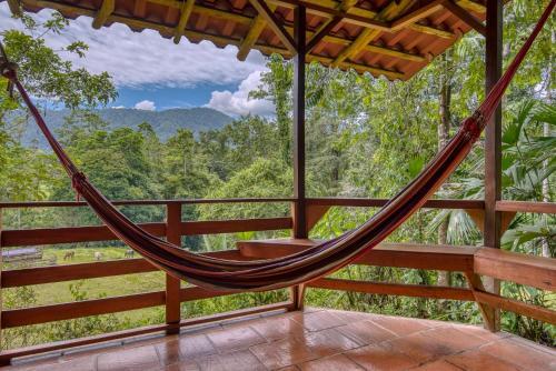 A balcony or terrace at Selva Bananito Lodge