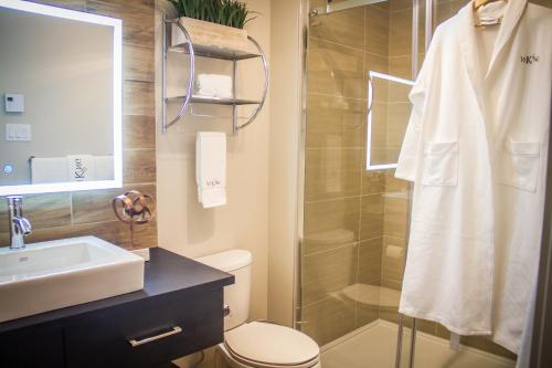 A bathroom at Le Viking Resort & Marina