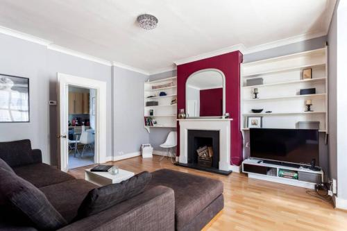 1 bedroom flat in west London - Shepherds Bush