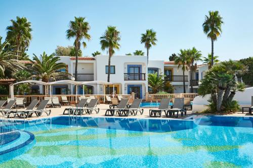 The swimming pool at or near Insotel Hotel Formentera Playa