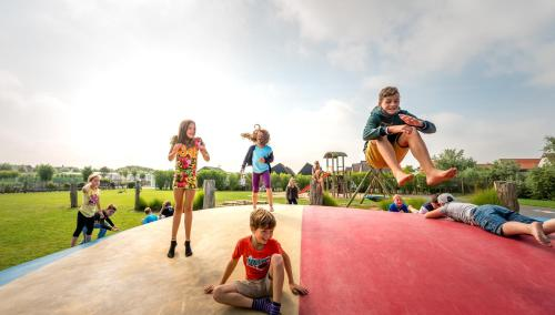 Children staying at Camping Veld & Duin