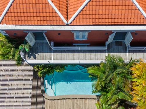 Uma vista da piscina em Kas di Laman Curaçao ou nos arredores
