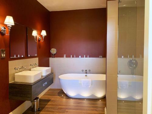 A bathroom at Swinton Park