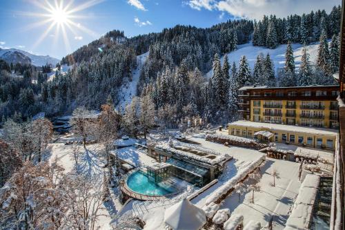 Lenkerhof Gourmet Spa Resort during the winter