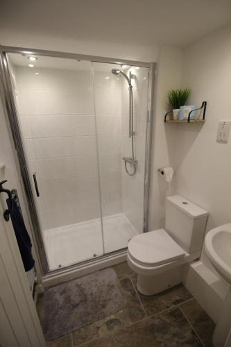 A bathroom at 14 Bridge Street