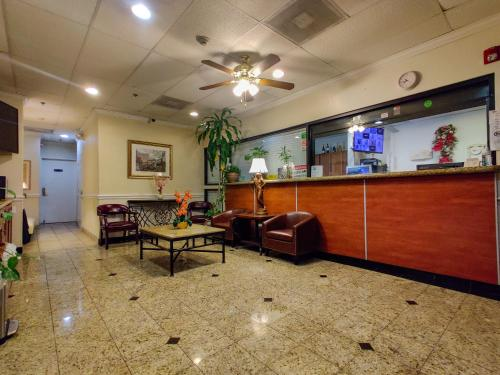 The lobby or reception area at Athens Hotel & Suites