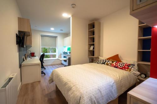 City Centre Studio Apartment - Sparkford Road