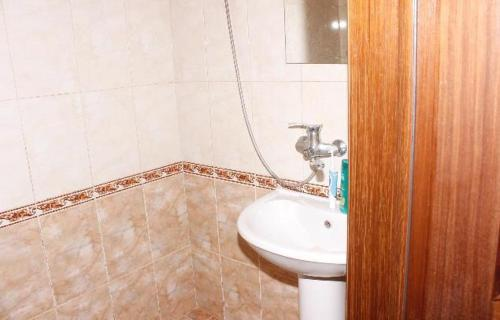 A bathroom at Fregat Guesthouse