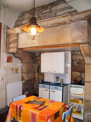 A kitchen or kitchenette at Villa des Capucins