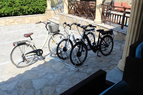 Radfahren an der Unterkunft Mirabelle Hotel oder in der Nähe