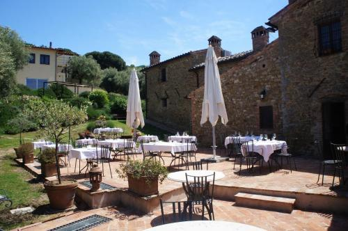 A restaurant or other place to eat at EcoResort Il Cantico della Natura